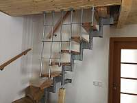 schody do 1. patra - chata k pronájmu Kouty nad Desnou