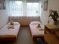 2.ložnice v prvním nadpodlaží. - rekreační dům k pronajmutí Vajglov