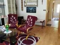 Obývací pokoj v přízemí. - rekreační dům k pronajmutí Vajglov