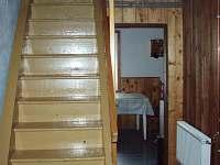 Chodba a schodiště - chata k pronájmu Karlov pod Pradědem