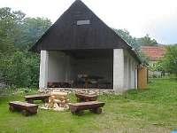 altán, ideální k posezení i v případě nepříznivého počasí - chata ubytování Stříbrnice