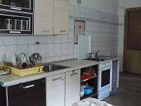 kuchyn - pronájem rekreačního domu Ostružná