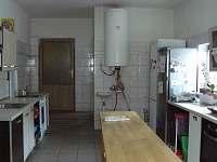 kuchyn - rekreační dům k pronajmutí Ostružná