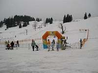 lyžování za domem cca 5Om