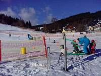 možnost dětské lyžařské školky - Ostružná
