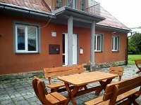 Chata Elča - venkovní posezení - ubytování Lipová-lázně