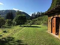 Chalupa Pod lesem - Zahrada - ubytování Hanušovice