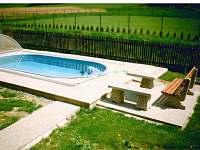 Bazén s posezením - chata ubytování Vernířovice