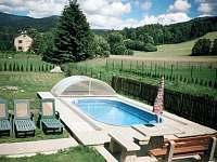 bazén s posezením