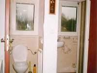Druhé WC a sprchový kout