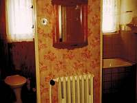Předsíň se vstupem na samostatné WC a do samostatné koupelny - Vernířovice