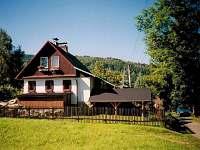 Původní zděná chata s krytým stáním pro auto - pronájem Vernířovice