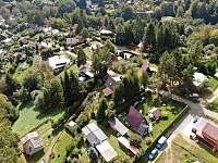 Pohled 360 dron - chata k pronajmutí Dolní Bušínov