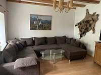 Obývací pokoj - chalupa k pronájmu Petrov nad Desnou