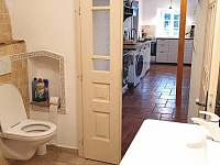 Koupelna v přízemí - chalupa k pronajmutí Velké Losiny