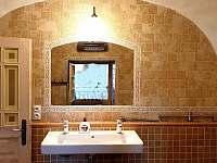 Koupelna v přízemí - chalupa ubytování Velké Losiny