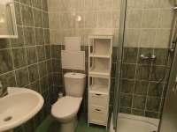 Apartmán - koupelna s WC - k pronájmu Karlovice