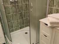 Apartmán - koupelna s WC - k pronajmutí Karlovice
