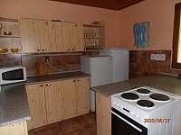 společná vybavená kuchyňka - pronájem chaty Ramzová