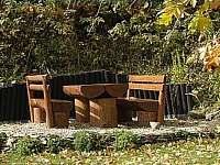 Posezení na zahradě - chata k pronajmutí Ostružná - Petříkov