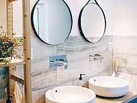 Koupelna přízemí - pronájem chalupy Hanušovice