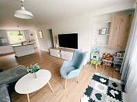 Obývací pokoj - chalupa k pronajmutí Hanušovice