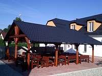 Venkovní pergola kapacita 40 míst - ubytování Rýmařov