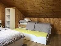 Pokoj č. 3 postel s vysouvacím lůžkem - rekreační dům ubytování Zlaté Hory