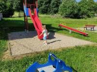 Dětské hřiště v obci - Obědné