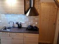 Kuchyňský kout - chata k pronájmu Suchá Rudná