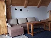 Obývací pokoj - chata k pronajmutí Suchá Rudná