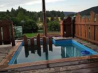 Vytápění v bazénku - chata k pronájmu Suchá Rudná