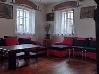 obývací pokoj - chalupa k pronajmutí Bartoňov
