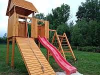 Dětské hřiště - pronájem vily Bělá pod Pradědem - Adolfovice