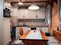 Kuchyňský kout - chata ubytování Ludvíkov