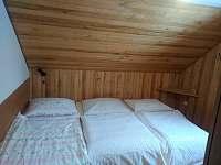 Ložnice s přistýlkou - pronájem chaty Petříkov