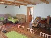 obývací pokoj - chalupa k pronajmutí Vikantice