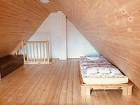 Ložnice v mezonetu - pronájem apartmánu Dolní Moravice