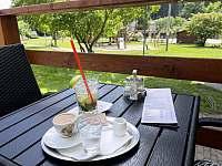 Park Penzion v Malé Moravce, pod terasou hřiště pro děti - Horní Václavov