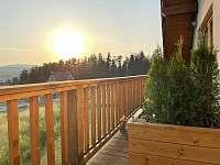 Z teras lze pozorovat nádherné západy slunce - pronájem apartmánu Horní Václavov