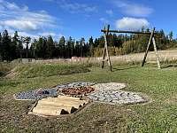 Zahrada - část s prvky pro děti - apartmán k pronajmutí Horní Václavov