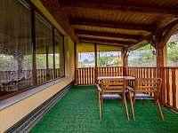 Posezení v pergole - chata ubytování Supíkovice