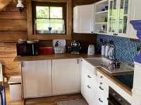 Roubenka v údolí, kuchyň - roubenka k pronájmu Zlaté Hory - Horní Údolí