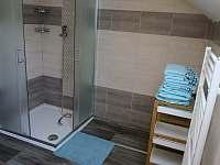 Aprtmány U mlýna, modrý apartmán - sprchový kout - pronájem Maršíkov