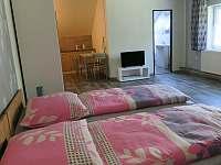 Aprtmány U mlýna, růžový apartmán - ubytování Maršíkov