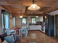 Chalupa Filipová - kuchyň a jídelní kout - pronájem Loučná nad Desnou