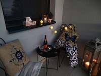 večerní posezení - apartmán k pronajmutí Loštice