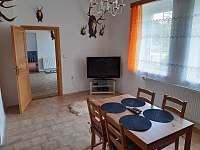 Jídelná / společenská místnost - chalupa ubytování Vrbno pod Pradědem