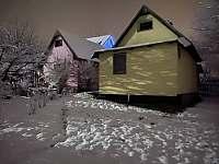 Chata Harta v zimě. - k pronajmutí Mezina