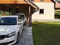 Stání po 3-4 auta - chata k pronájmu Dolní Moravice